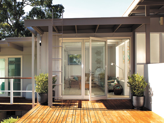 aluminium-bifold-door-hero